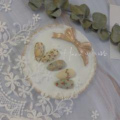 绿色黄色裸色圆形花朵夏天磨砂短指甲森系兔子碎花系列美甲图片