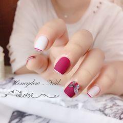 方圆形磨砂短指甲蝴蝶美甲图片