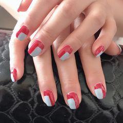 红色蓝色方圆形美甲图片