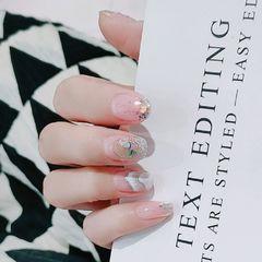 银色方圆形夏天贝壳片短指甲美甲图片