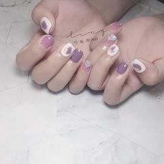 方圆形夏天简约短指甲紫色美甲图片