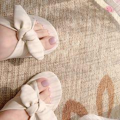 方圆形脚紫色美甲图片