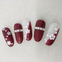 新娘花朵雕花酒红色圆形饰品美甲图片