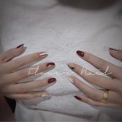 酒红色圆形短指甲简约跳色白色灰色美甲图片