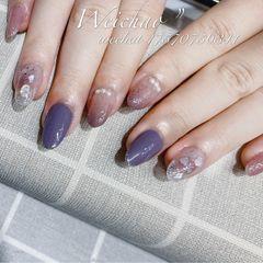 圆形夏天贝壳片金箔晕染紫色美甲图片