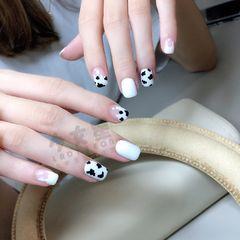 方圆形夏天波点短指甲白色黑色美甲图片