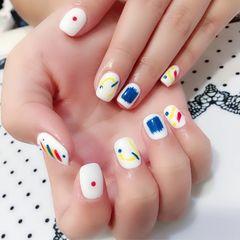 黄色红色蓝色方圆形白色手绘美甲图片
