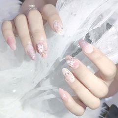 圆形贝壳片新娘金箔美甲图片