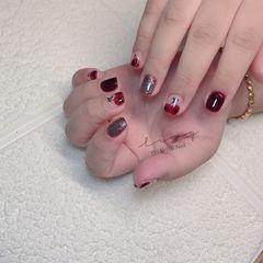 酒红色方圆形夏天简约跳色短指甲手绘美甲图片
