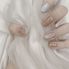 裸色方圆形夏天新娘贝壳片简约金箔渐变美甲图片