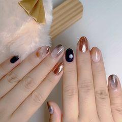 圆形晕染短指甲日式秋冬日式晕染琥珀蓝色魔镜显白款美甲图片