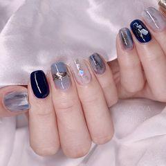 蓝色裸色方圆形贝壳片简约白色韩式亮片手绘美甲图片