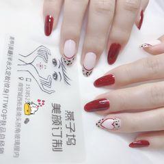 酒红色圆形跳色手绘豹纹法式美甲图片