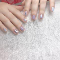 蓝色圆形夏天紫色金箔美甲图片