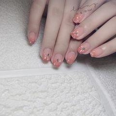 橙色方形夏天简约渐变贝壳片金箔磨砂美甲图片