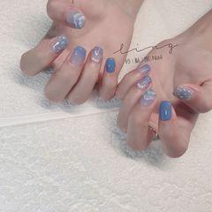 蓝色方形夏天简约晕染渐变贝壳片美甲图片