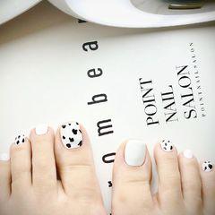 脚晕染简约夏天跳色脚部黑色白色美甲图片