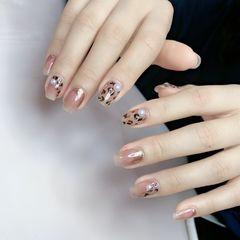 裸色方形豹纹美甲图片