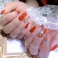 橙色方圆形美甲图片