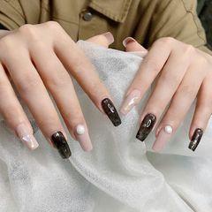 方形贝壳片金箔黑色珍珠显白美甲图片