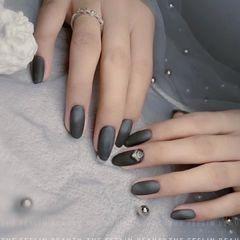 圆形简约日式黑色美甲图片