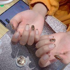 裸色方形金箔美甲图片
