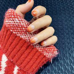 橙色圆形夏天短指甲新娘上班族晕染简约渐变美甲图片
