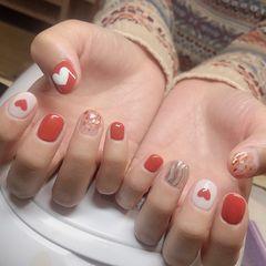 红色心形简约短指甲美甲图片