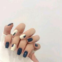 蓝色方圆形手绘白色秋冬跳色秋冬必做款美甲图片