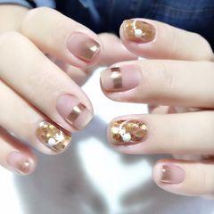 裸色方圆形短指甲跳色魔镜粉珍珠美甲图片