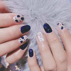 蓝色银色圆形豹纹美甲图片
