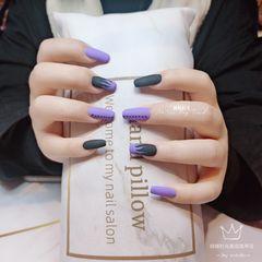 甲片磨砂紫色美甲图片