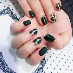 绿色方圆形豹纹亮片手绘黑色美甲图片
