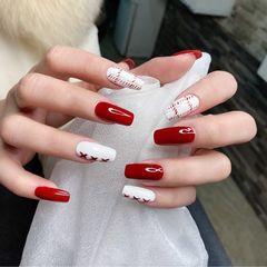 酒红色方圆形格纹新年显白美甲图片