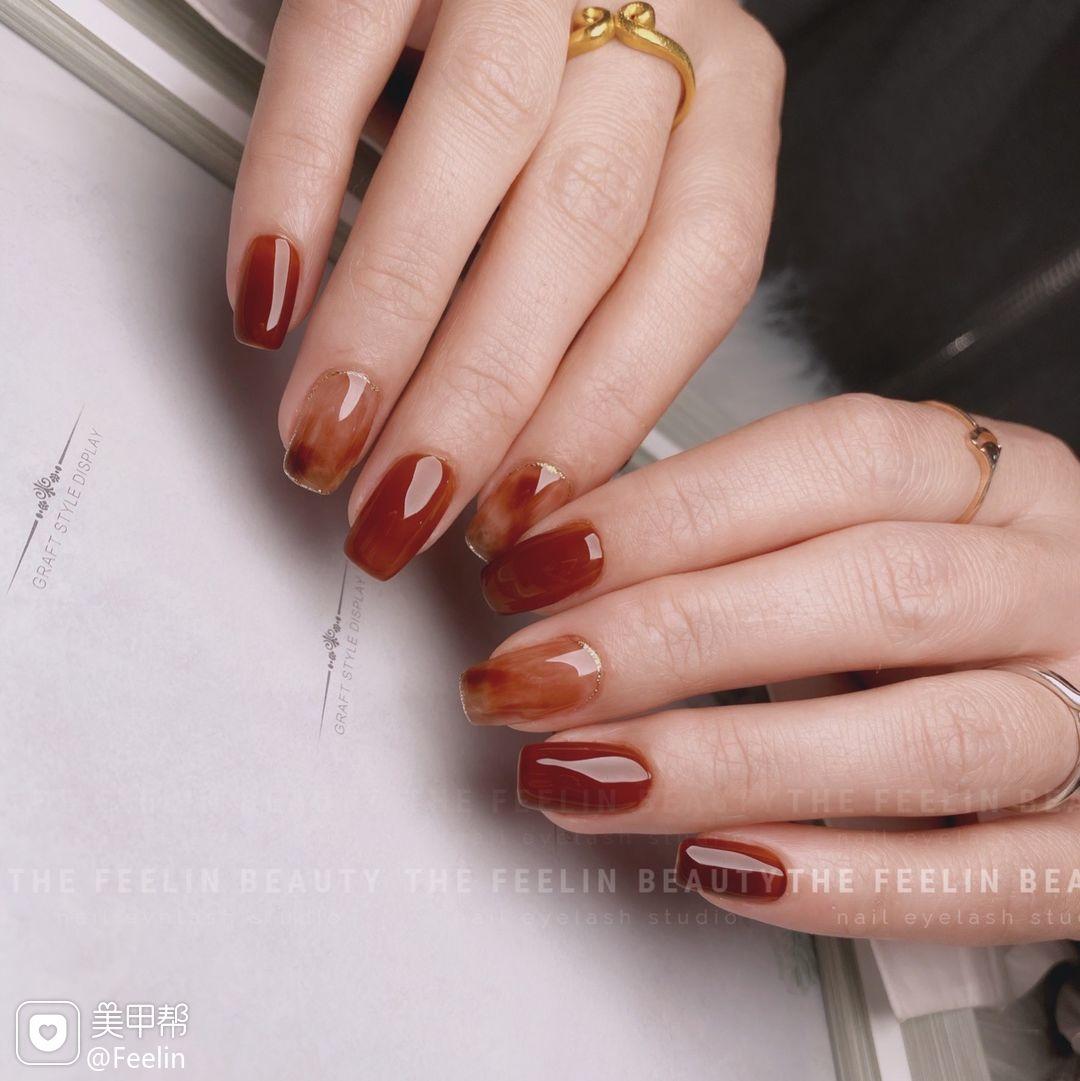 酒红色红色方圆形晕染日式手绘焦糖琥珀美甲图片