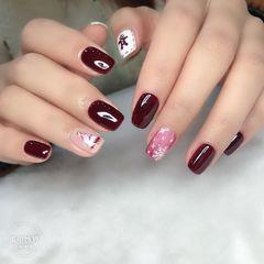 酒红色方形晕染短指甲简约上班族白色手绘秋冬美甲图片