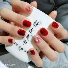红色方圆形金箔晕染贝壳片短指甲美甲图片