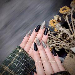 尖形磨砂简约跳色黑色豹纹美甲图片