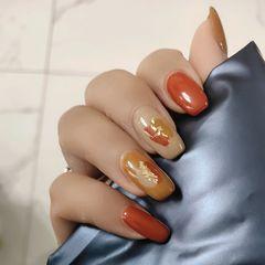 黄色橙色裸色方形简约金箔简单大方,适合上班族美甲图片