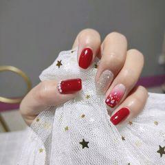 红色方圆形新娘跳色金箔贝壳片美甲图片