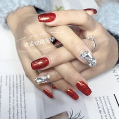 红色方形新娘简约钻美甲图片