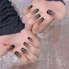 绿色方圆形格纹美甲图片