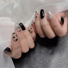 黑色钻显白秋冬美甲图片
