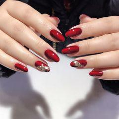 红色圆形简约贝壳片魔镜粉美甲图片
