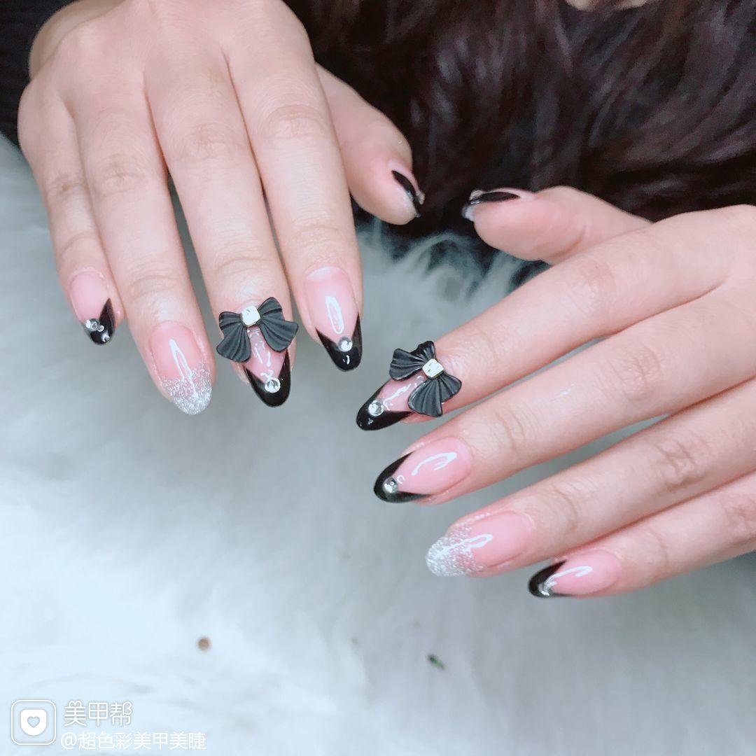尖形黑色法式美甲图片