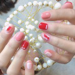 红色裸色圆形跳色上班族短指甲手绘美甲图片