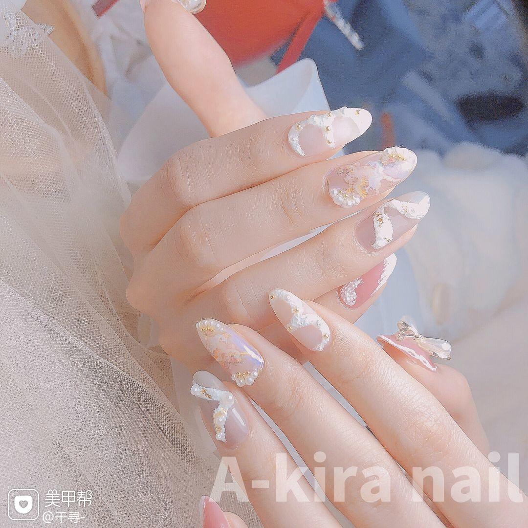 裸色尖形磨砂新娘简约手绘美甲图片
