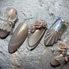 银色圆形新娘花朵雕花蕾丝百褶裙雕花新娘甲美甲图片