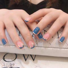 蓝色方圆形短指甲花朵短指甲的春天美甲图片