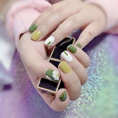 绿色手绘美甲图片